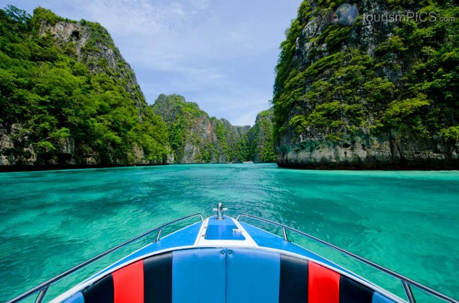 Ko-Phi-Phi-Krabi-Thailand-940x620 clearwaters