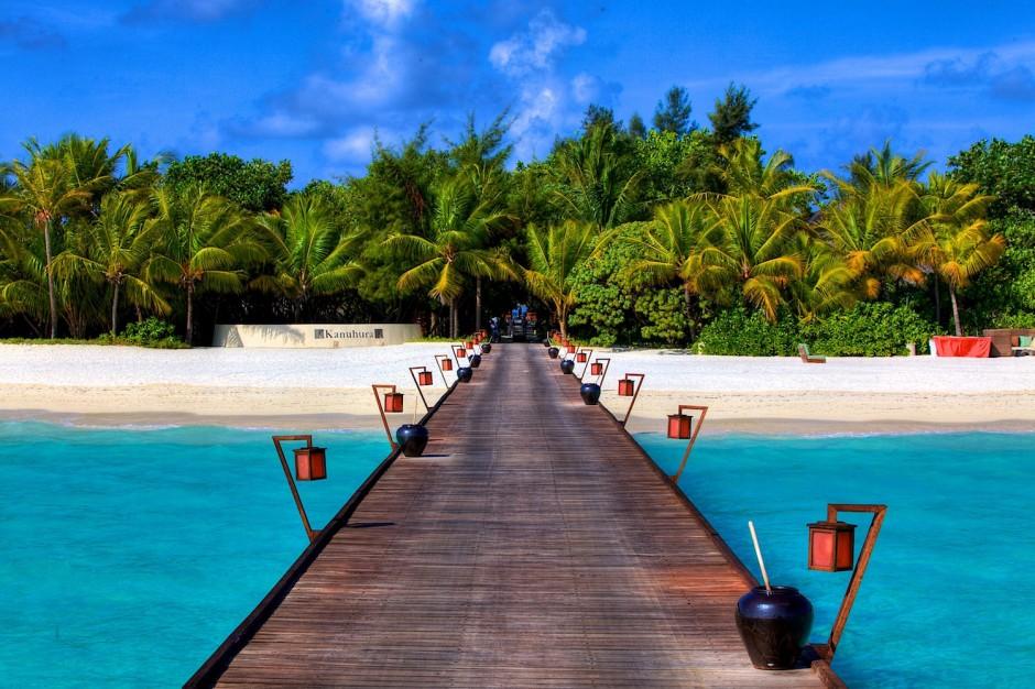 The-Maldives-Republic-of-the-Maldives-940x626