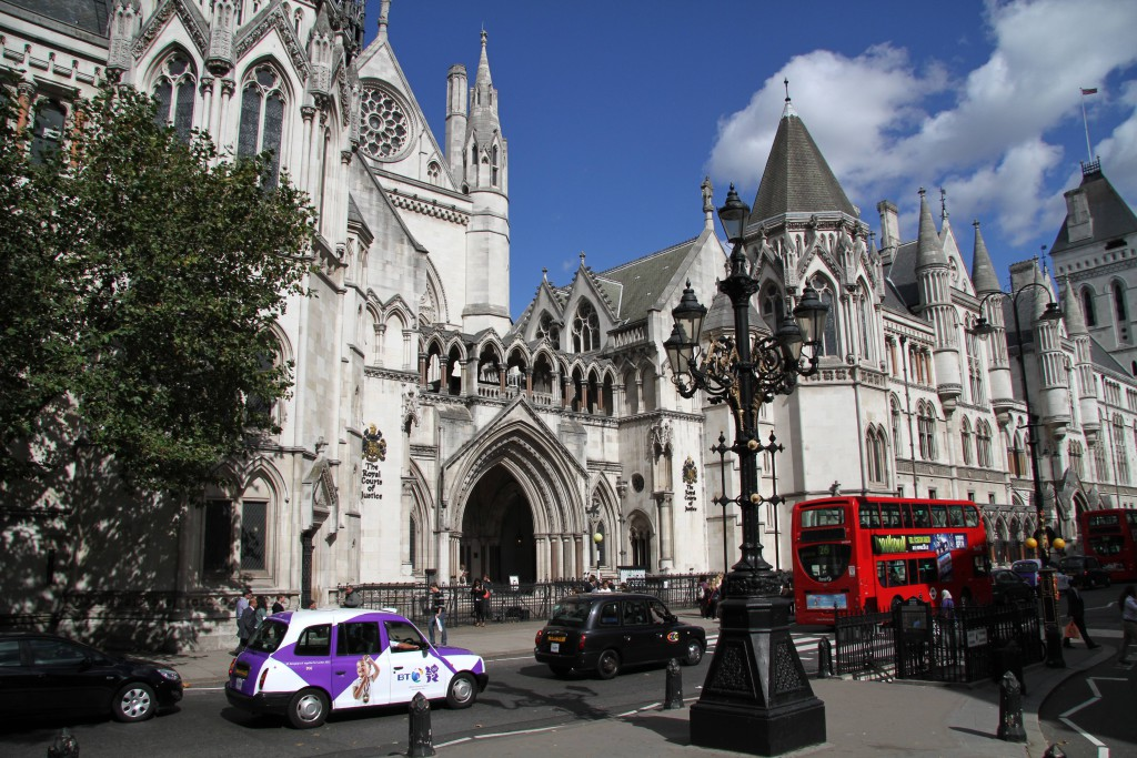 The_Royal_Courts_of_Justice_4_(8013465002)