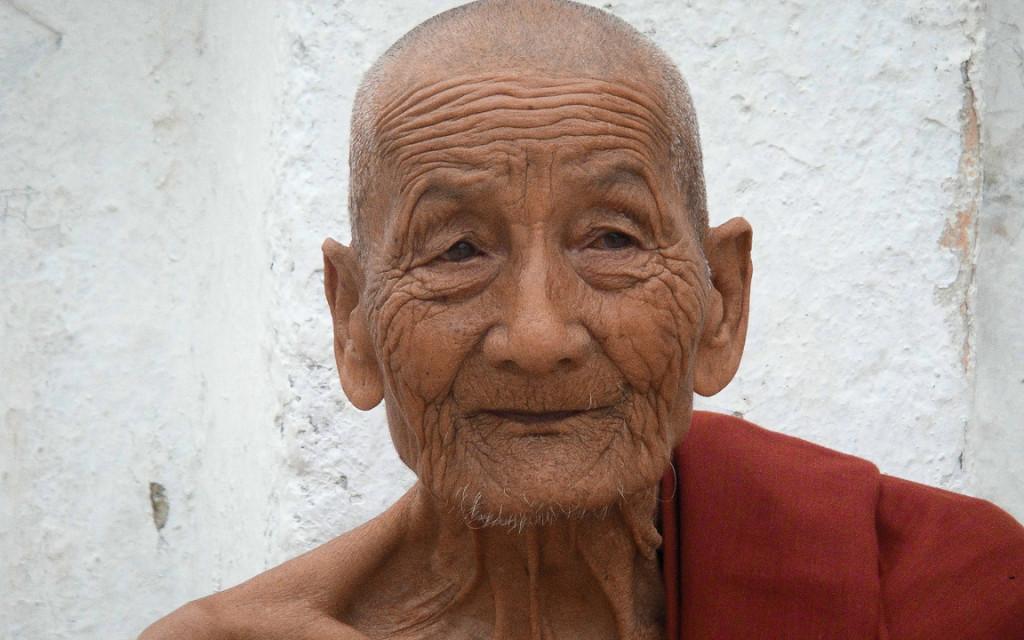 monk-868270_1280-2