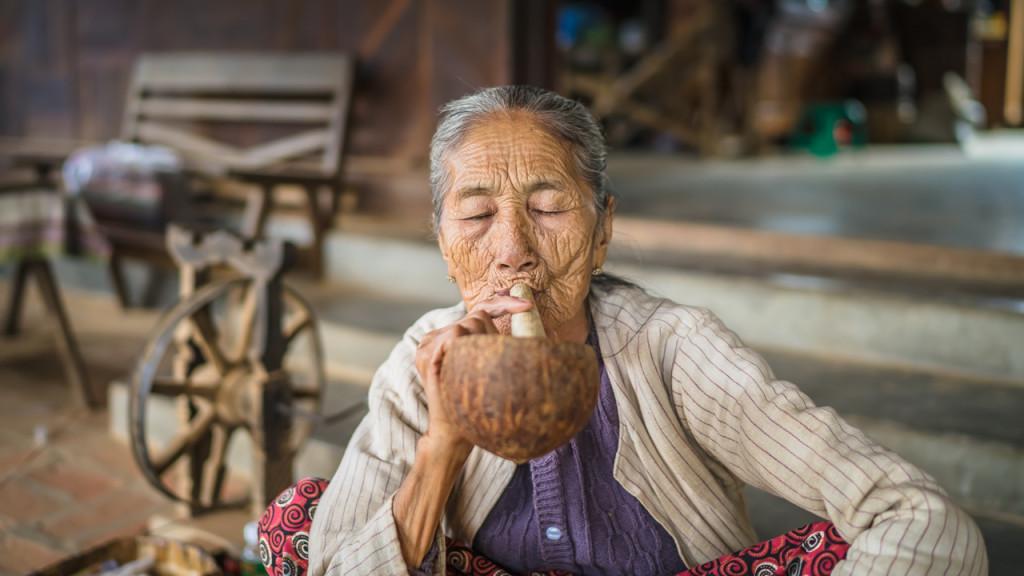 Bagan, Myanmar, Women, Smoke, Sehenswürdigkeiten in Bagan